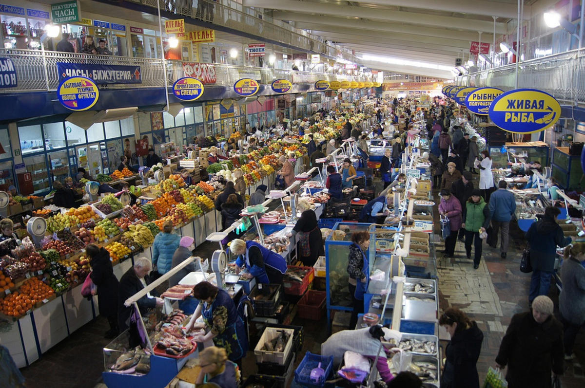Market in Saratov, Russia by Tatters ❀ via Flickr Creative Commons