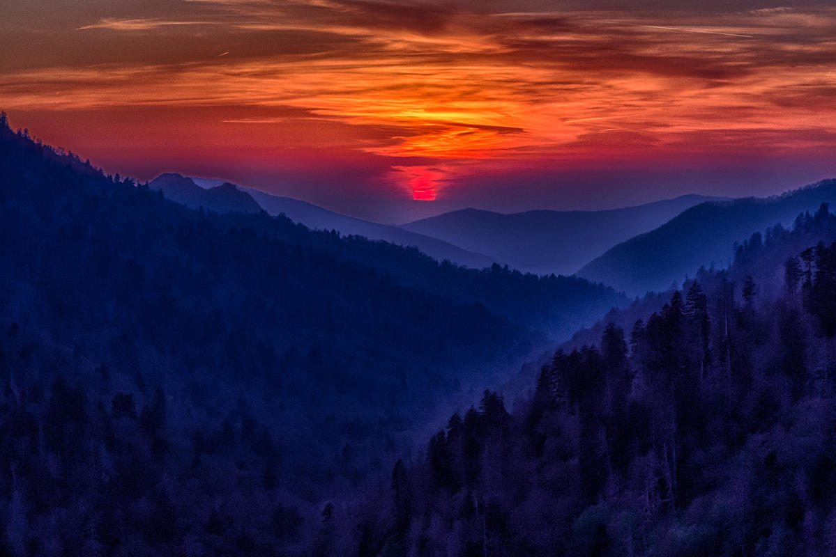 Sunset from Morton Overlook by Tim Lumley via Flickr Creative Commons
