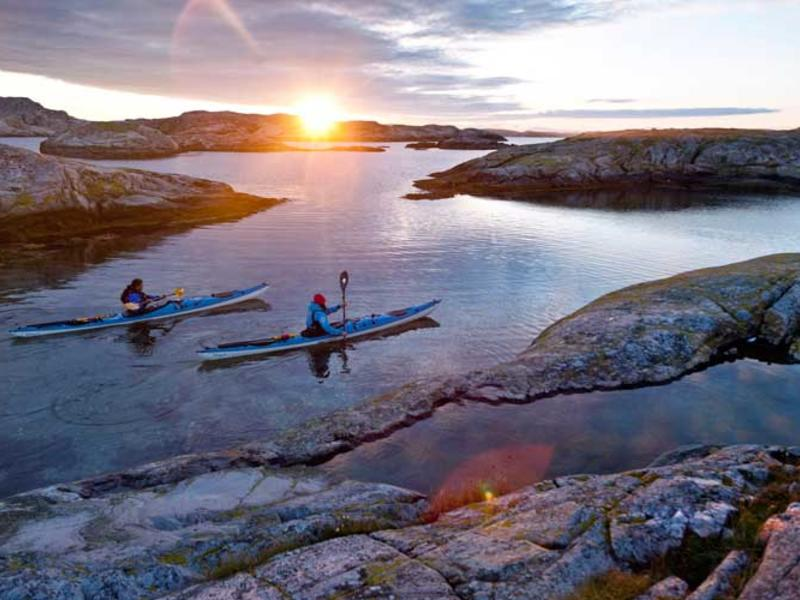 Kayaking west sweden photo henrik trygg  imagebank.sweden.se