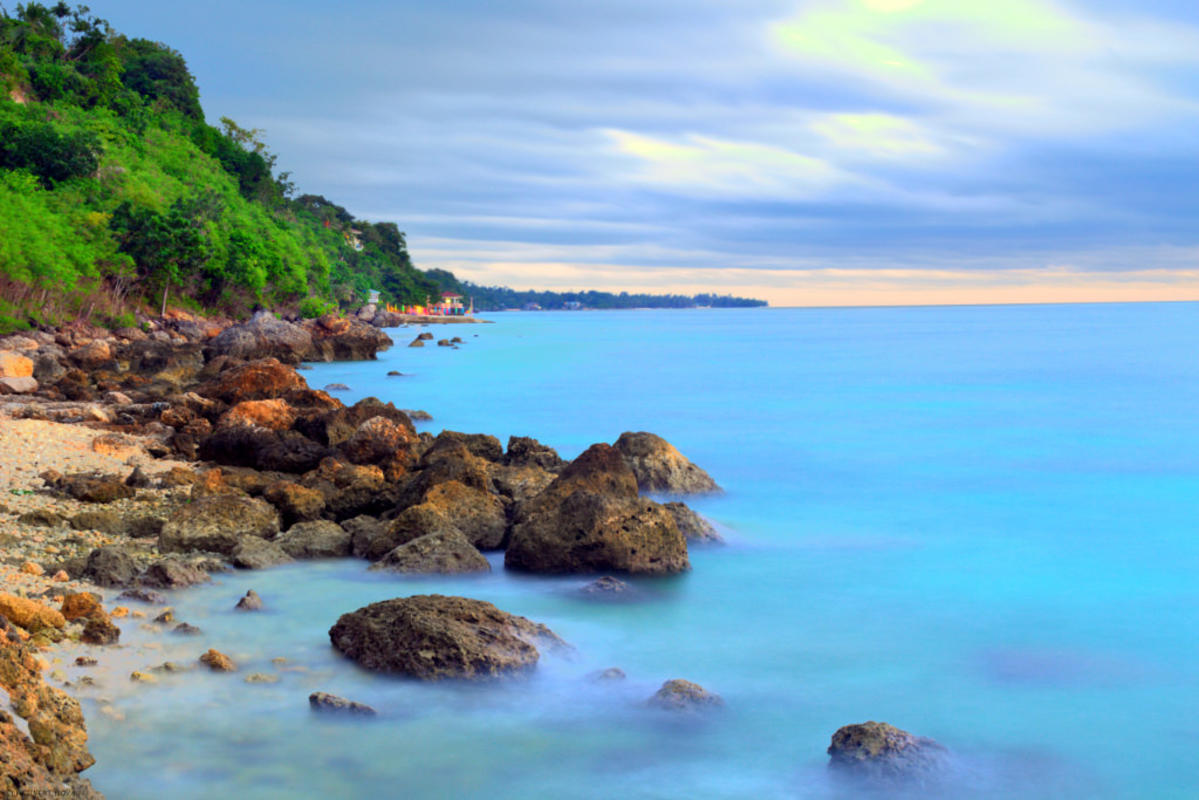 Seashore in Boljoon by Neilvert Noval via Flickr Creative Commons