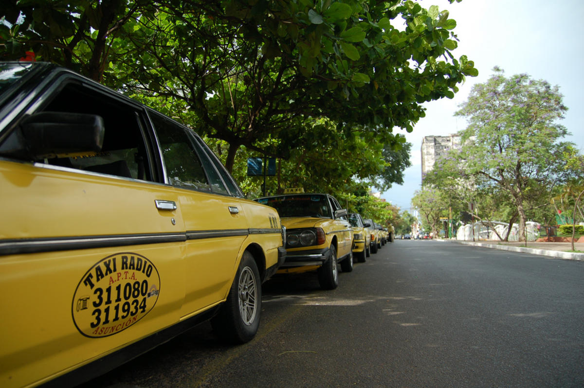 Taxi line! by Alex Steffler via Flickr Creative Commons