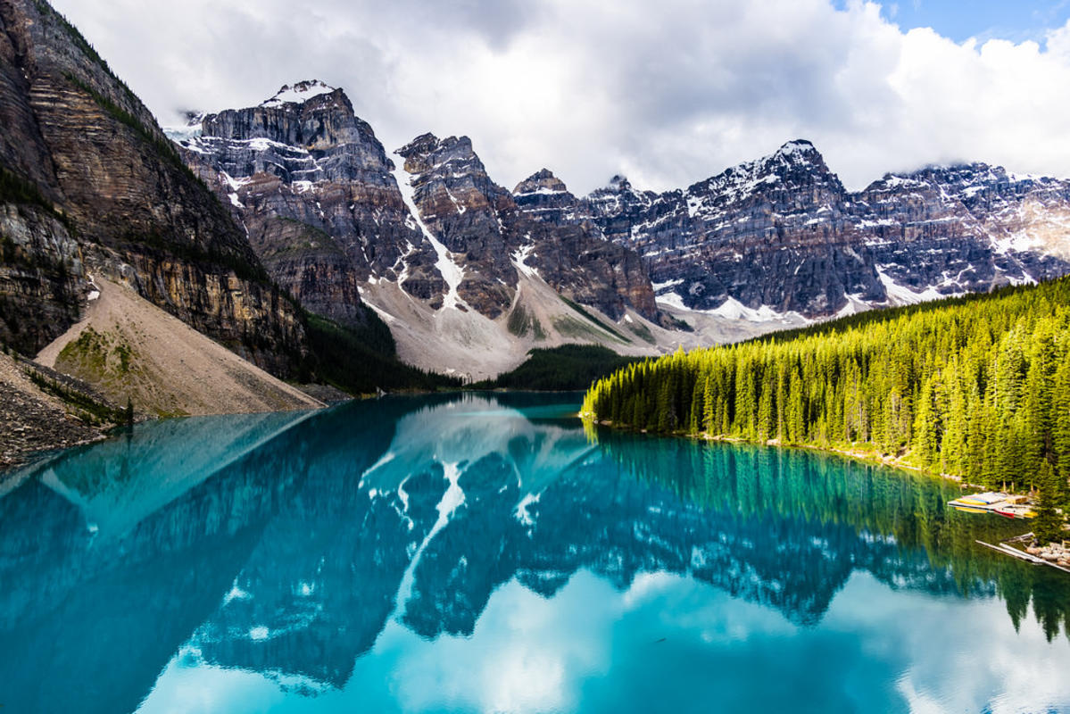 #Earth [OC] Moraine Lake, Banff National Park, Canada Photo by junaidrao via Flickr Creative Commons