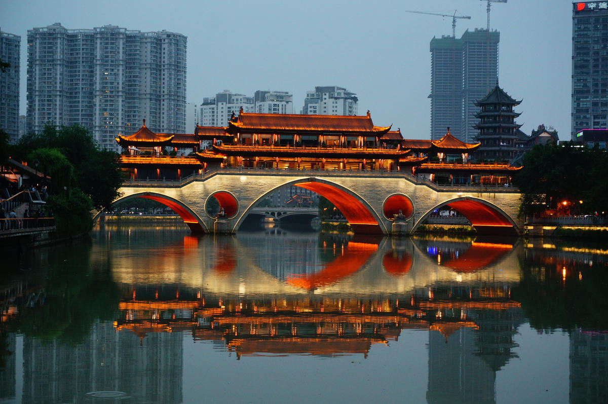Veranda Bridge Restaurant, Chengdu Photo by Andrew Smith
