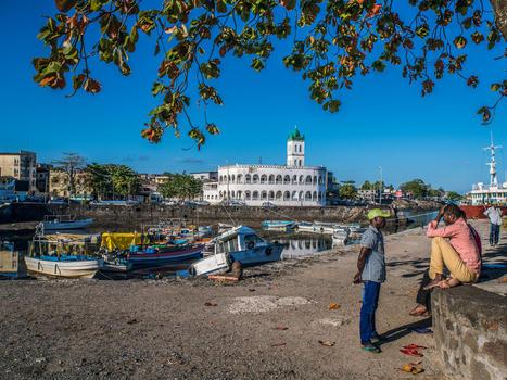 Comoros Shopping And Leisure