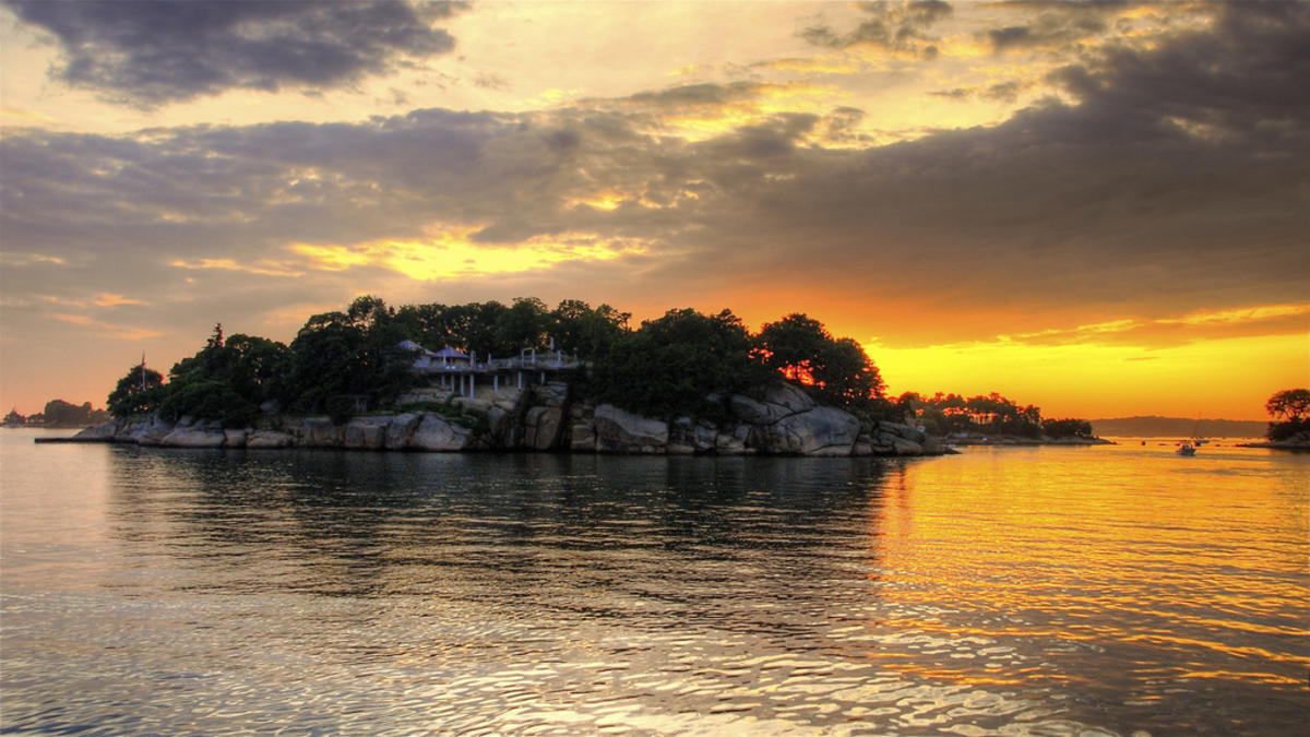 Thimble Island's sunset Photo by slack12 via Flickr Creative Commons