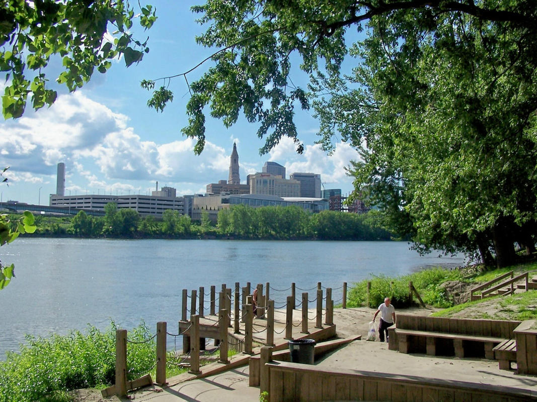 Hartford, Connecticut Skyline Photo by J. Stephen Conn