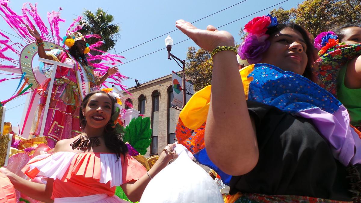 34 Conjunto Folklórico Panamá América SF Carnaval Parade 2016 14 by Carnaval.com Studios via Flickr Creative Commons