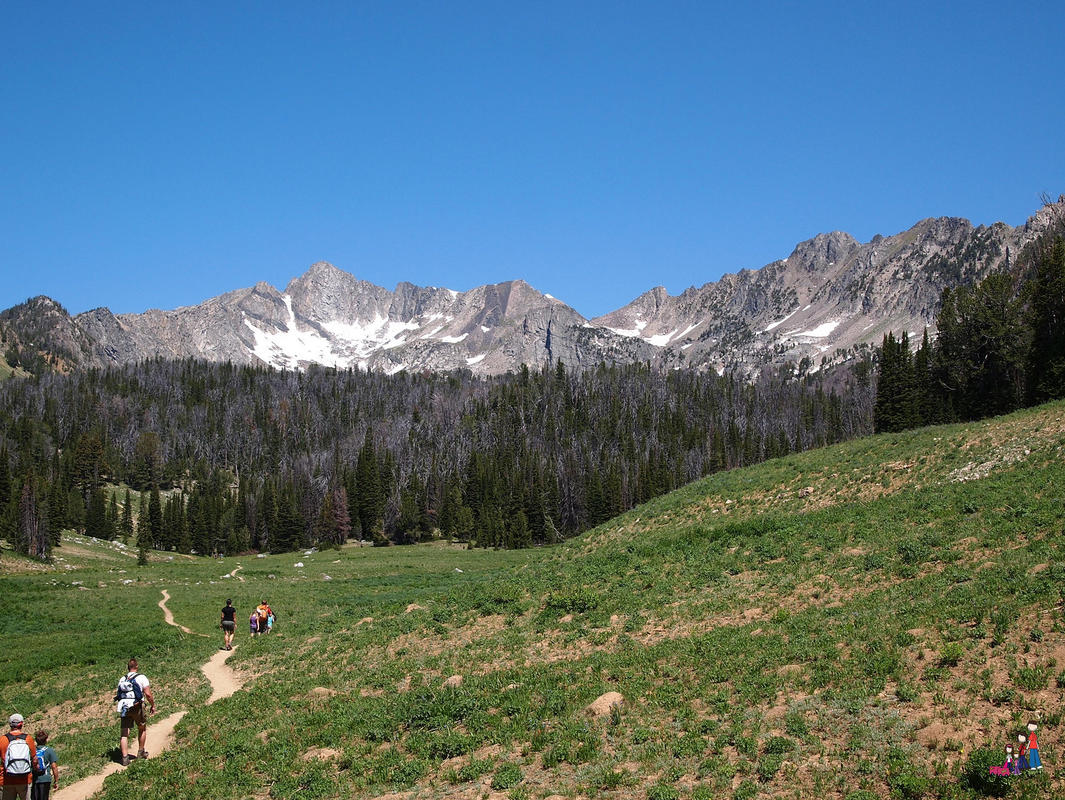 Hiking in the Spanish Peaks Photo by Jody Halsted
