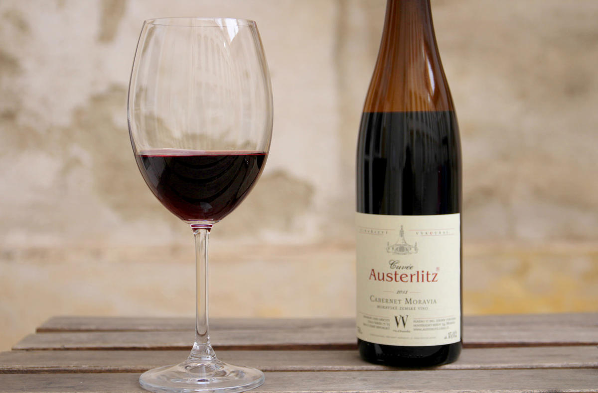 Autentické víno Cabernet Moravia Photo by Café Morgal via Flickr Creative Commons