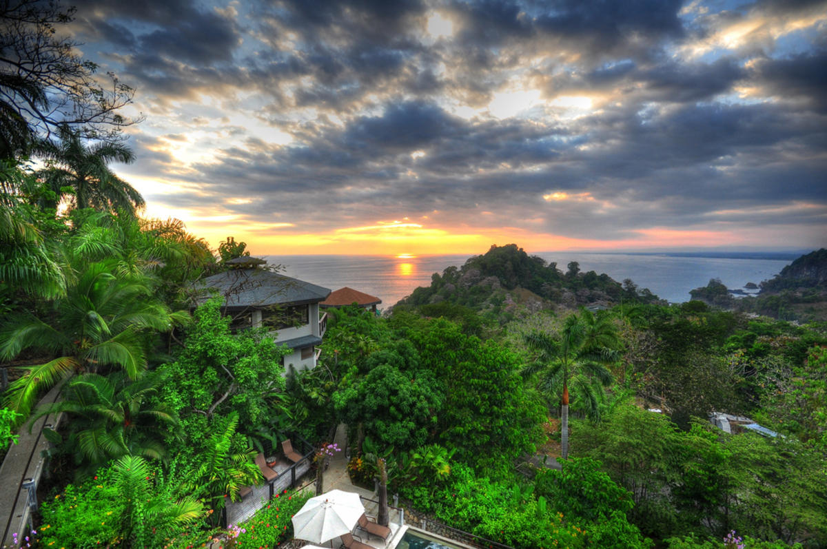 HDR Sunset, Costa Rica Photo by kansasphoto via Flickr Creative Commons