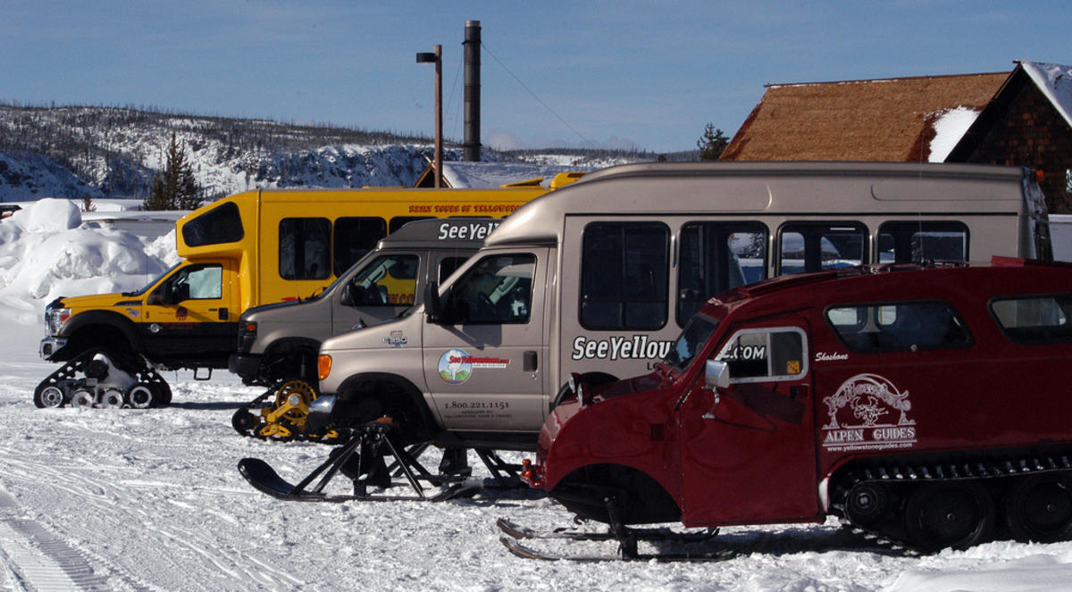 Snow Coaches by Yellowstone Gate via Flickr Creative Commons