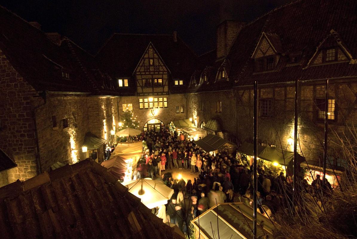 Weihnachtsmarkt auf der Wartburg: Thüringer Tourismus GmbH/ A. Nestler