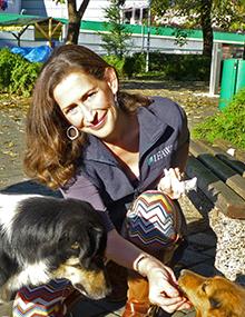 Rebecca Brimley, Conseillère en matière de programmes