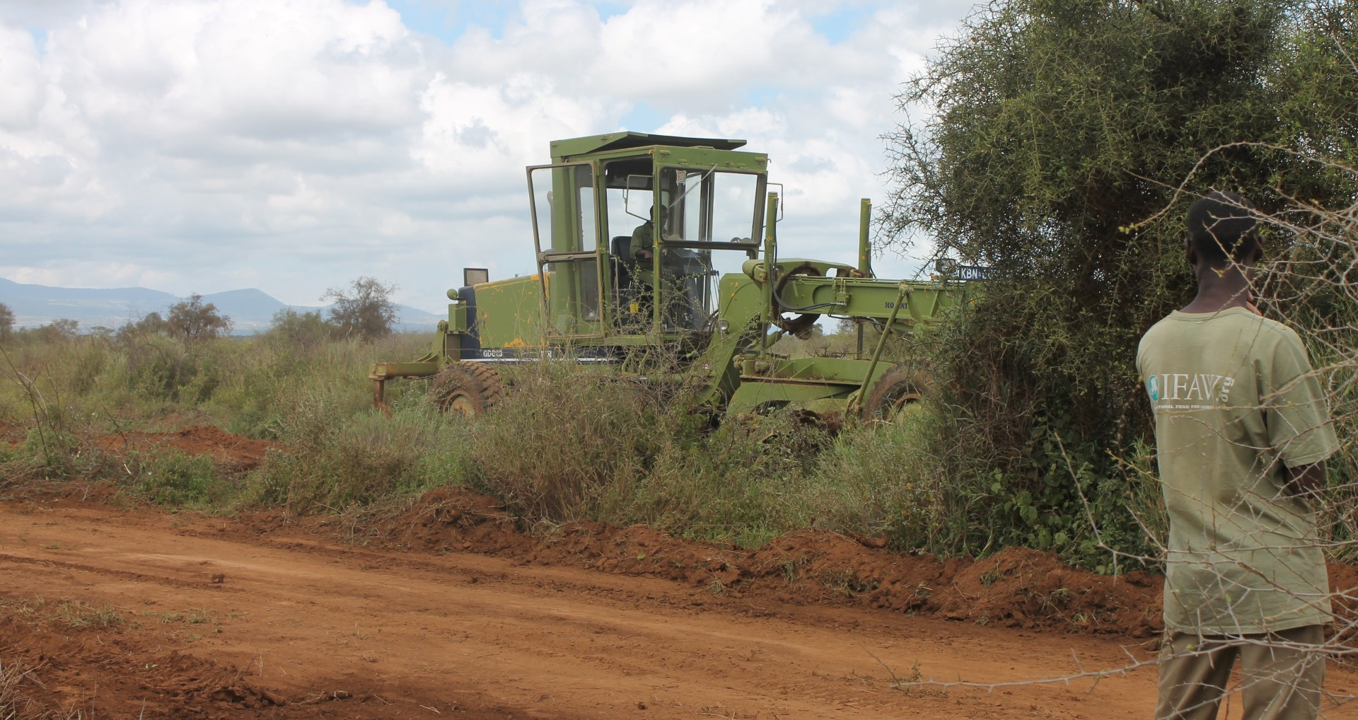 Developing a community access road in Amboseli