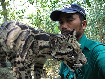 Voormalig stroper Ontai onderscheiden voor werk als dierenbeschermer in India