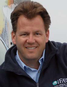 Патрик Рамадж, Директор программы по охране морских млекопитающих
