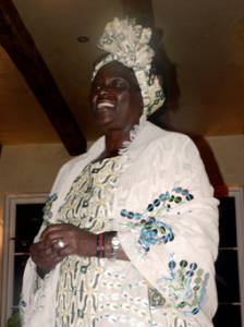 Wangari Maathai, 2004 Nobel Peace Prize Laureate and Founder of the Green Belt Movement, addresses guests at a reception in her honor at the home of Tony & Gay Browne, Montecito, CA. © IFAW/D. Gadomski