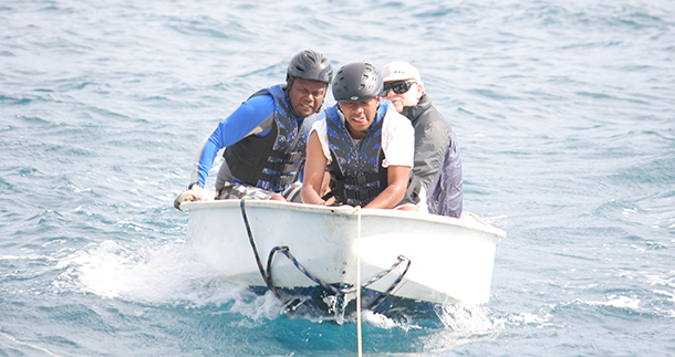 Supporting whale disentanglement and strandings team efforts in Tonga