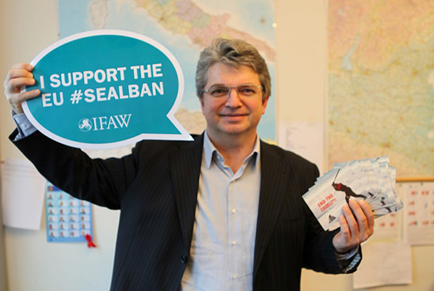 MEP Andrea Zanoni (ALDE Group) stands proudly before a map of his native Italy and supports to EU seal ban.