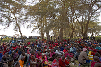 Many members of the Masaai community gather to watch the signing of a lease agreement between IFAW and the Maasai community, 17 July 2013, Amboseli National Park, Kenya. © IFAW/K. Prinsloo