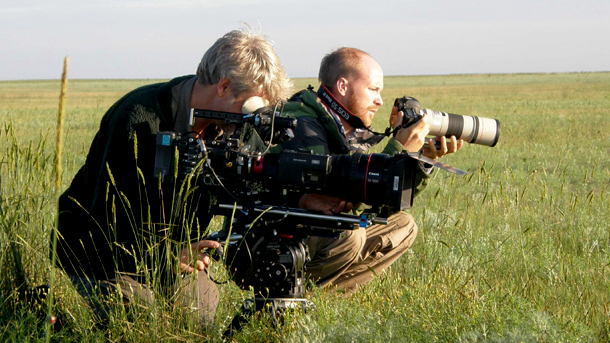 Filmmakers Ben Macdonald, researcher at Silverback Films, England, and John Aitchison, wildlife cameraman and photographer from Scotland.Photo: © Nikolay Yudenko.