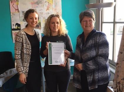 Christine Teunissen (PvdD), Rianne Haaijema (Blijf van mijn Dier) en Arien van der Heijden (directeur IFAW Nederland)