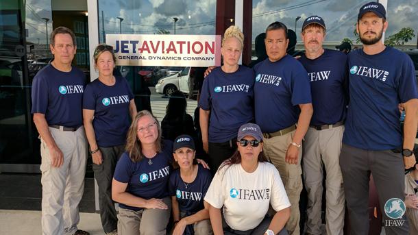 Een speciaal woord van dank voor Jet Aviation San Juan en vrijwilligers Elle Diaz, Frances Ryan en Charito Garcia die ons team zo goed hebben geholpen bij de demobilisatie en evacuatie van de Amerikaanse Maagdeneilanden.