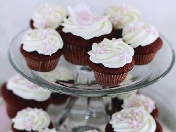 Cupcakes frosting @ Manhattan's Metropolitan Museum of Art