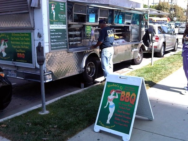 Hermosa Beach: Panel to Further Study Food Trucks