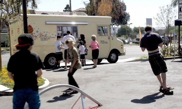 Gourmet Ice Cream Truck a Hit in Simi Valley