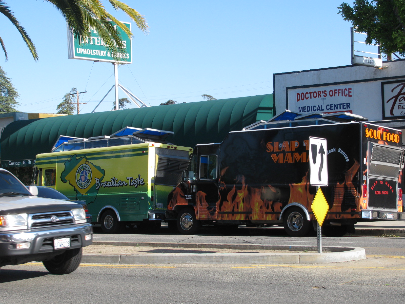 Granada Hills, CA: Another Skirmish In The Food Truck War