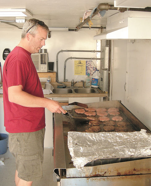 Minot, ND: Dinner is Served – Organizations Help with Feeding Evacuees