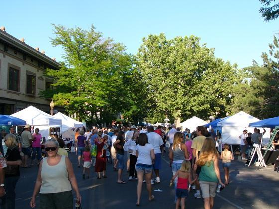 Grand Junction, CO: Two Competing Mobile Food Vendors Work Together