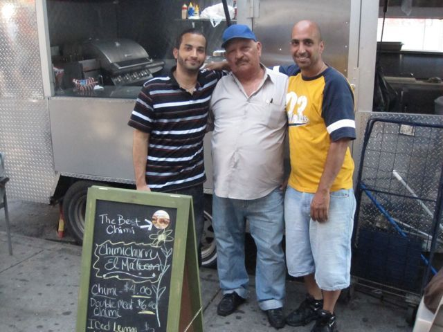 """NYC: Family Still Slings Dominican """"Chimis"""" in Inwood"""