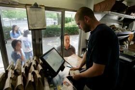 Push to Legalize Food Trucks & Carts Meeting with Controversy
