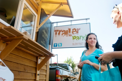Lansing, MI: Food Cart Provides Fast Food Alternative