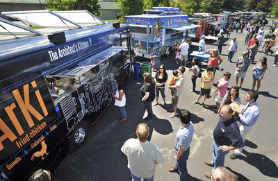 Pleasanton, CA: Food Truck Mafia Muscling into Gourmet Customer Base