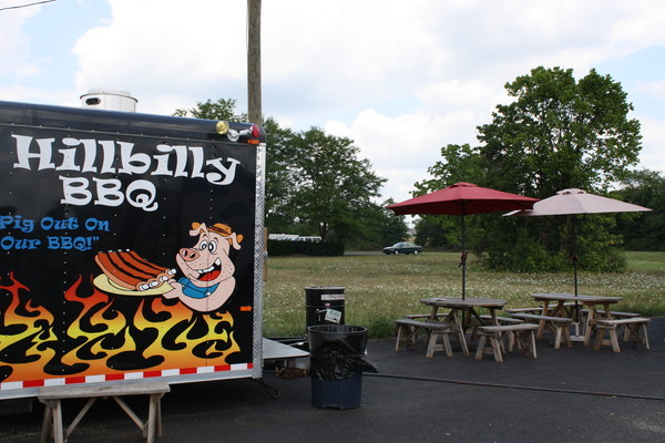 Hillbilly BBQ: Comfort Food on Parked Wheels