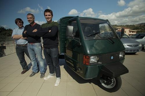 2 Brothers Embark on an Italian Road Trip in a Piaggio Ape 3-Wheeler Van to Inspire Their New Street Food Venture