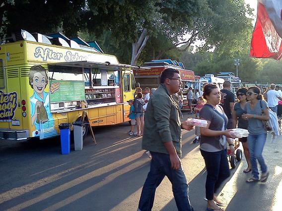 The Food Truck Revolution: Now Armed With Point-of-Sale iPads
