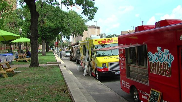 """San Antonio, TX: Keeping up with the Lunch Truck """"Invasion"""" - Mobile Food News"""