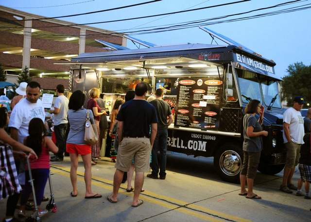 Dearborn, MI: Food Trucks Rally in Metro Detroit, Customers in Tow