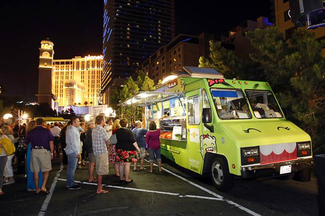Las Vegas, NV: Close Down Bathrooms, Not Food Trucks
