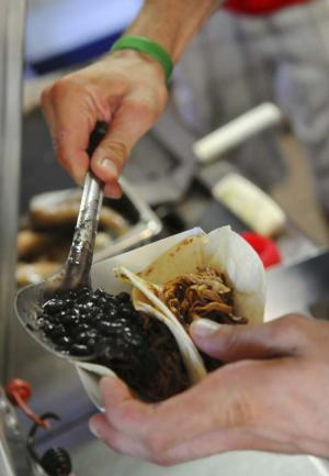 Minneapolis, MN: Food Trucks Roll into Twin Cities Catering Scene