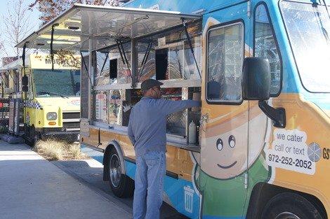 Nammi food trucks bring Vietnamese banh mi to Dallas. (Photo courtesy of Carolyn Kresek Lis.)