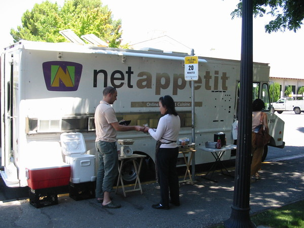 Stanford, CA: New Mobile Food Vendor Policy Drives Net Appetit off Campus