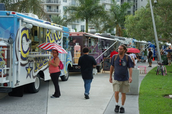 Hallandale Beach, FL: Hallandale Beach Jumping on Food Truck Bandwagon
