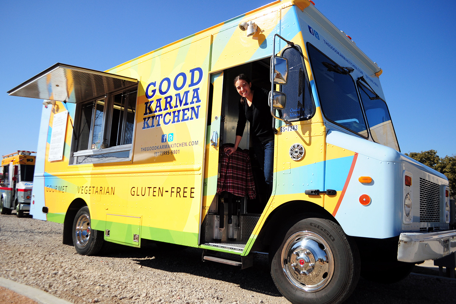 Fort Worth, TX: Food Truck Caters Healthy Choices