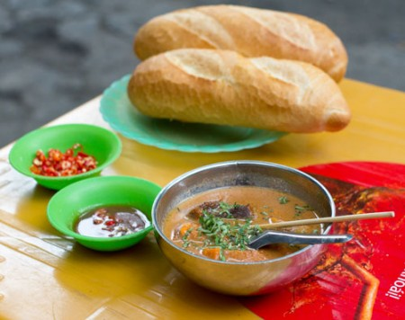 Ho Chi Minh City, VN : Unique Palatable Taste of Vietnamese Street Food