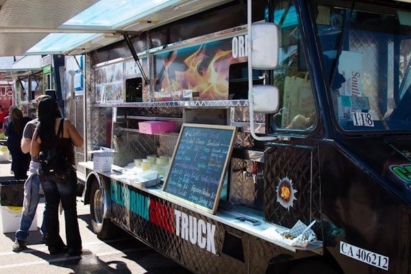 Castro Valley, CA: Food Trucks Are People Too